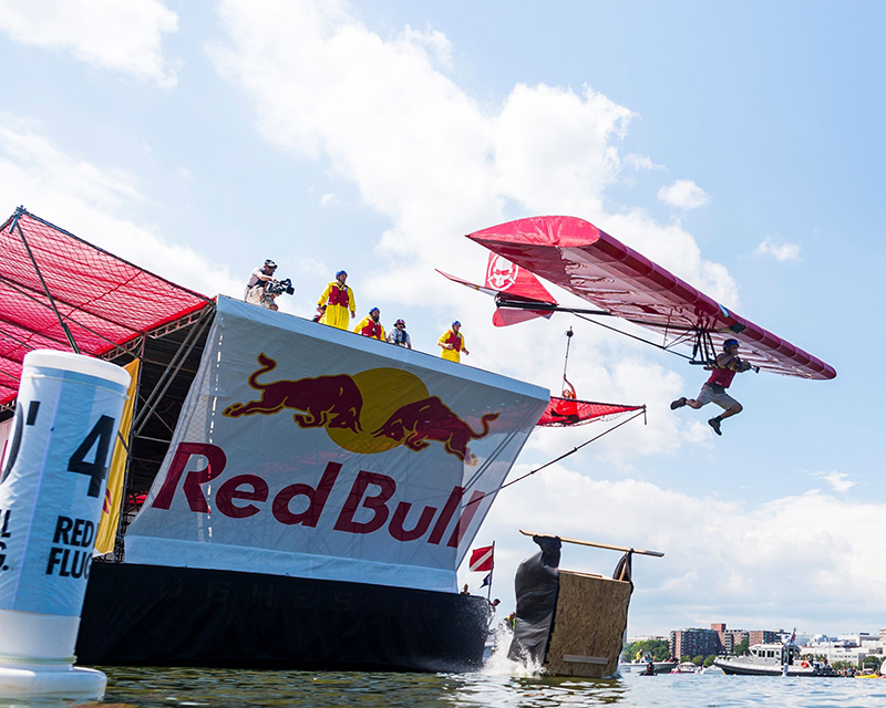 R/C YouTubers Soar Past the Competition in the Red Bull Flugtag